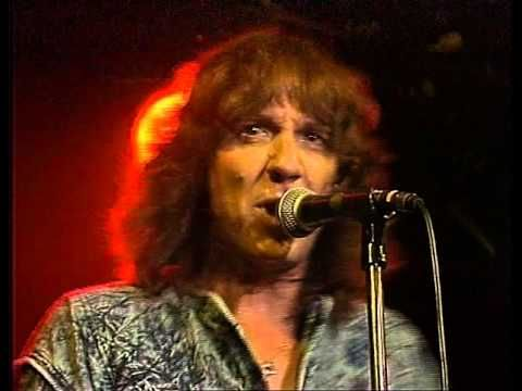 Stevie Wright Live at the Bridgeway Hotel 1987 - YouTube