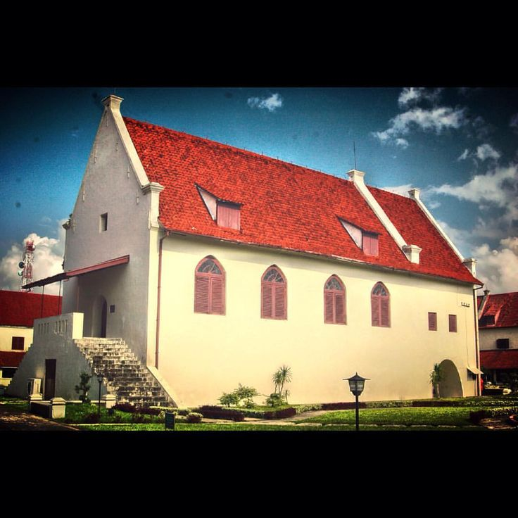 #architecture #fortrotterdam #makassar #southsulawesi #procamapp #iphonephotography #iphoneography #iphoneonly