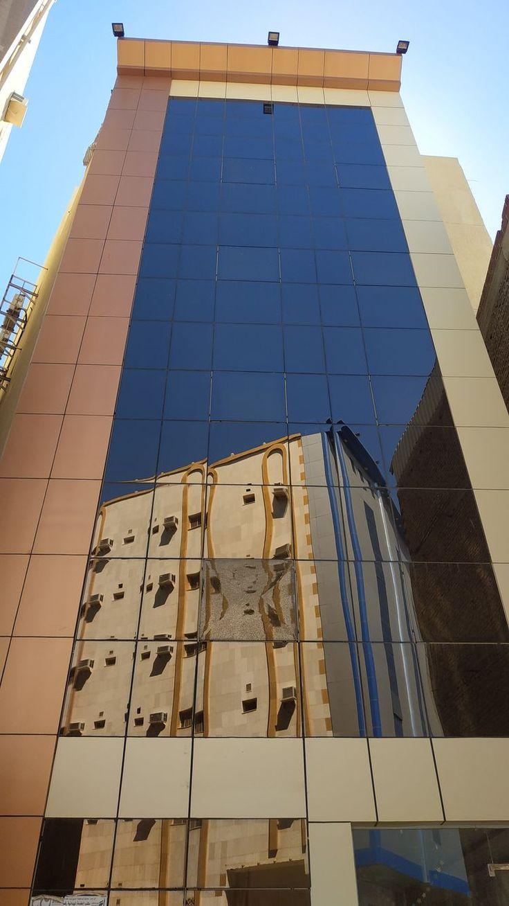 العمارة للايجار في مكة حي العزيزية الحج و العمرة في رمضان مكة المملكة العربية السعودية العزيزية ٠٥٣٦١٦١٣٣٠ اخوكم نور خليل Building Skyscraper Makkah