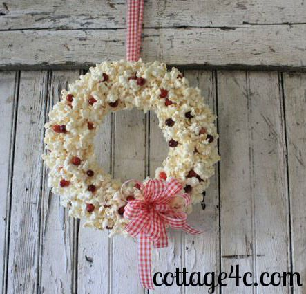 DIY Christmas Decorations - How To Make Unique Wreaths!