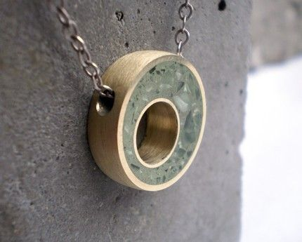 Charm necklace made of concrete and recycled glass. - Colgante para collar hecho con hormigón y vidrio reciclado.