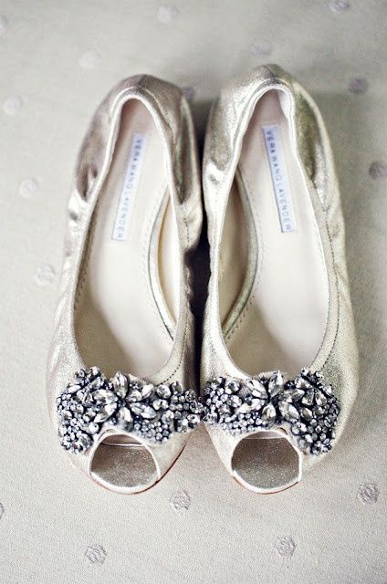 Elegant flats for those brides who don't want to wear heels!