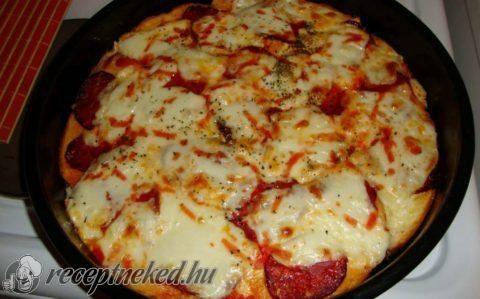 Sajtos pizza kenyér recept fotóval