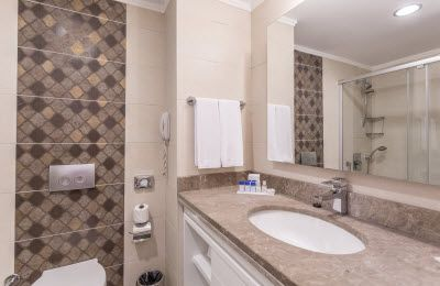 Article: Three things to consider before renovating your bathroom.