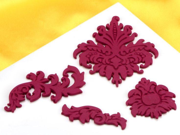 Kennt Ihr schon unsere Flexformen?  Mit den Flexformen könnt Ihr Figuren, Ornamente und Buchstaben aus z.B. Schokolade, Marzipan, Rollfondant uvm. herstellen.  Schickt uns gerne Bilder von Euren Ergebnissen!    https://www.pati-versand.de/alle-artikel/silikonformen/flexformen/