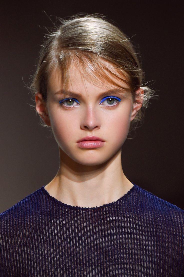 83 melhores imagens de maquillage des yeux no pinterest. Black Bedroom Furniture Sets. Home Design Ideas