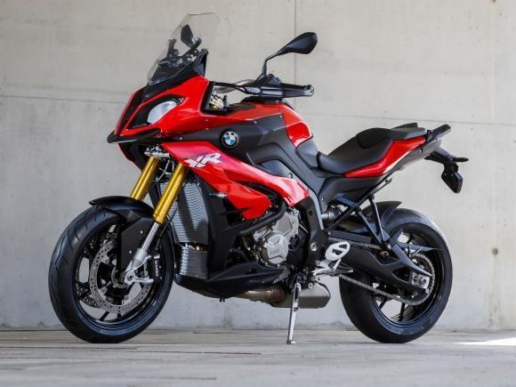 A nova BMW S 1000 XR - um dos principais lançamentos da BMW Motorrad no Salão Duas Rodas, maior evento de motocicletas da América do Sul - foi a principal novidade na pista do Haras Tuiuti, no inte...