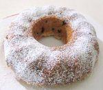 Ciambella alla ricotta   Ingredienti: 300 gr. farina, 300 gr. zucchero, 300 gr. ricotta, 100 gr. gocce di cioccolato, 3 uova, 1 bicchi...