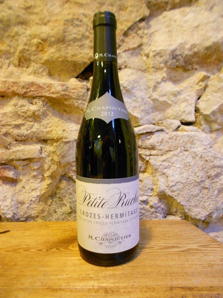 Este Crozes-Hermitage tiene un intenso color #rojo violáceo con olor a frutos rojos, #grosella y #frambuesa.  Ideal para saborear con #carnes y #quesos.  Se cosecha en la madurez y tras la #fermentacion alcohólica, se envejece en cubas 2 - 3 semanas¿Vienes a probarlo? #vino #Francia
