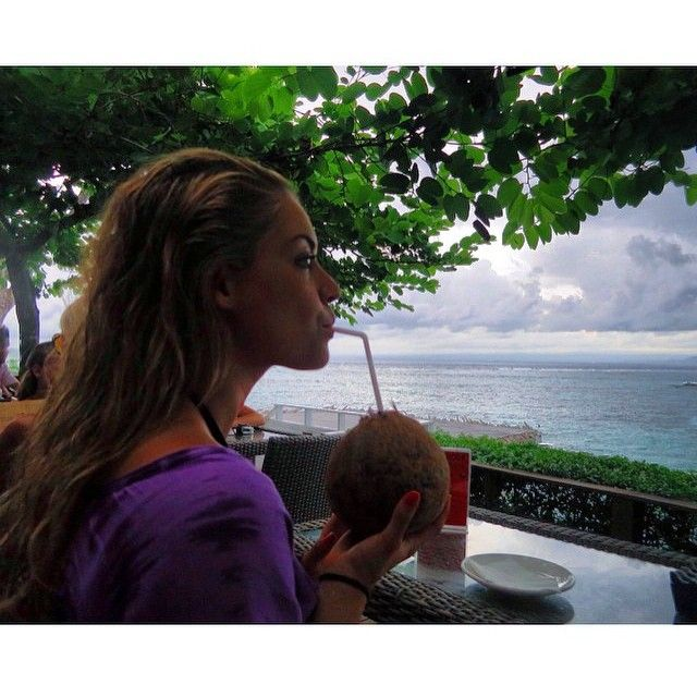 """www.instagram.com/healthypeach_ www.healthypeach.net  """"Ooooh hump day. I'm closing my eyes and teleporting back to this moment in Bali where all my worries entailed what coconut to drink from and what bikini…"""""""