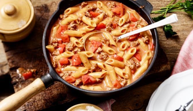Cremige Hackfleisch-Nudelpfanne - ein feines Rezept aus der Kategorie Gemüse. MAGGI Kochtipps für ein gutes Gelingen.