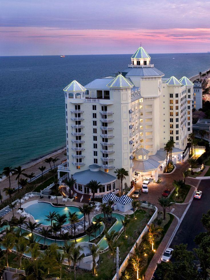Vacation Getaway at the Pelican Grand Beach Resort!