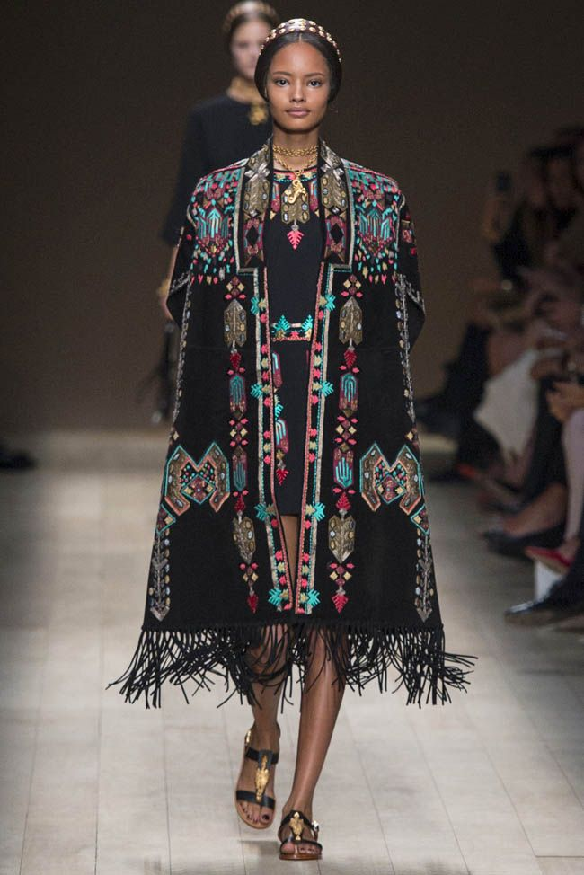 """Paris was invaded for the best designs with the trends for spring 2014 at Paris Fashion week. We choose the best of the best from the fashi..."