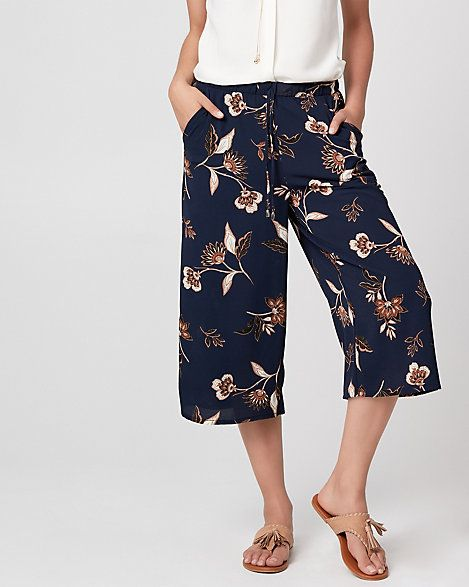 Floral Print Crêpe de Chine Culotte - For a laid-back yet put-together look, choose this floral print culotte pant that offers fluid movement and endless comfort.