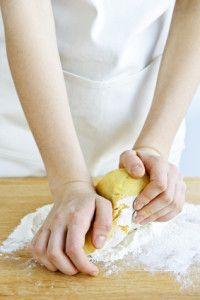Gluténmentes tészta készítés sikérhelyettesítőkkel.