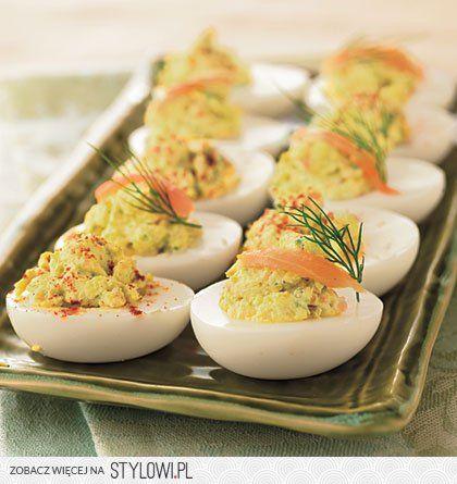Jajka faszerowane na Wielkanoc - 3 łatwe przepisy, spra… na Stylowi.pl