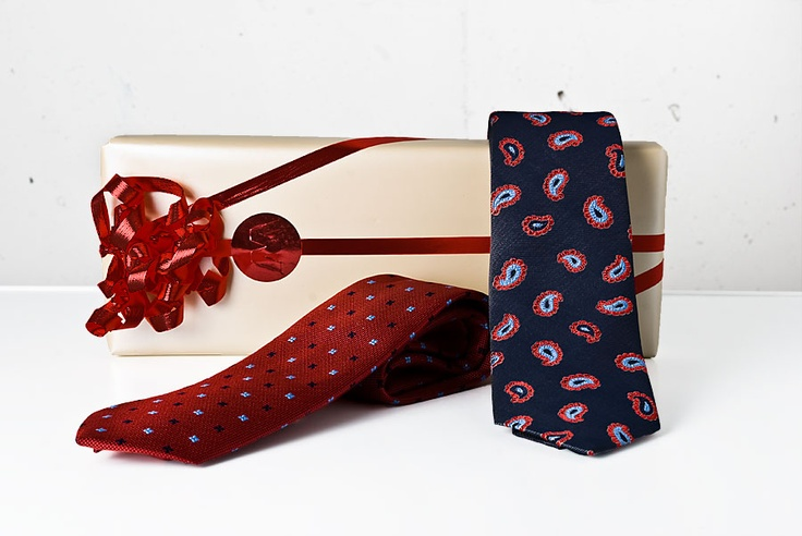 Julklappstips 2012 slips från Eton, Wårdhs herrmode i Täby centrum. Photo and styling by Björn Welander.