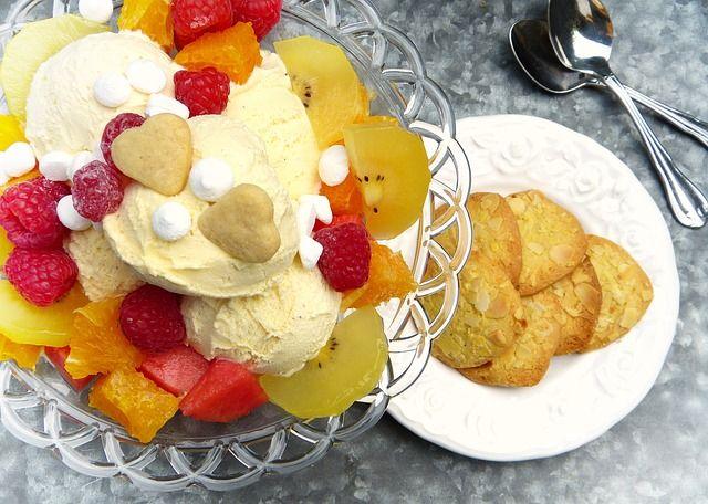 Limonlu yoğurtlu dondurma nasıl yapılır?