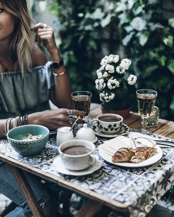 Bekijk deze Instagram-foto van @mikutas • 13 duizend vind-ik-leuks #girl #girl tumblr #character inspiration #photograph #luxury #travel #saúde #culinária #edições #capas #artigos