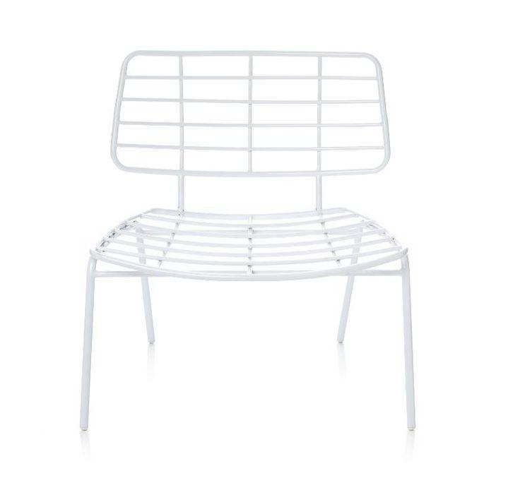 Weniger ist manchmal mehr? Stimmt! Dieser innovative Loungesessel mit Gittergestell im modernen Retro-Design braucht keine weichen Polster - er überzeugt uns auch so stylish pur mit luxuriöser Bequemlichkeit. #Loungesessel #Stuhl #Bloomingville #Naturaldesign #Impressionenversand