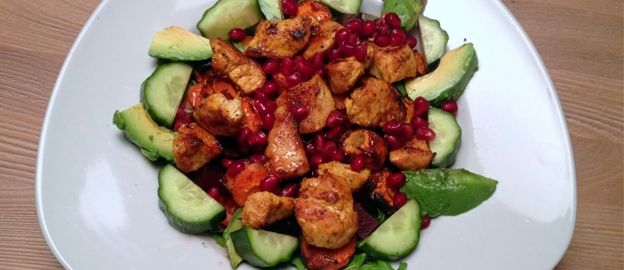 Een lekkere slanke salade die je ook voorziet van een magere eiwitbron. Perfect om de kerstkilos er alvast af te werken.