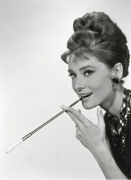 Audrey Hepburn Frisur Audreyhepburnduttanleitung