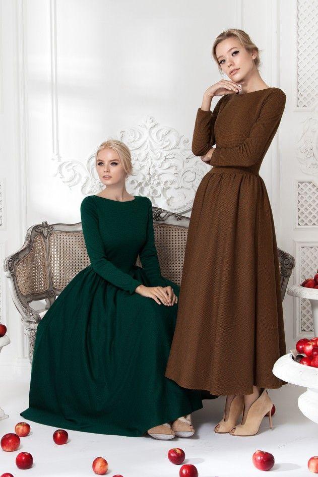 Платье «Классика» зеленое — 23 990 рублей, Платье «Классика» горчичное — 23 990 рублей