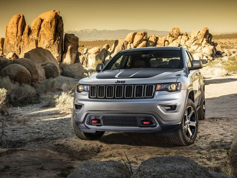 Everything you need to know about the 2017 Jeep Grand Cherokee, including impressions and analysis, photos, video, release date, prices, specs, and predictions from Roadshow.