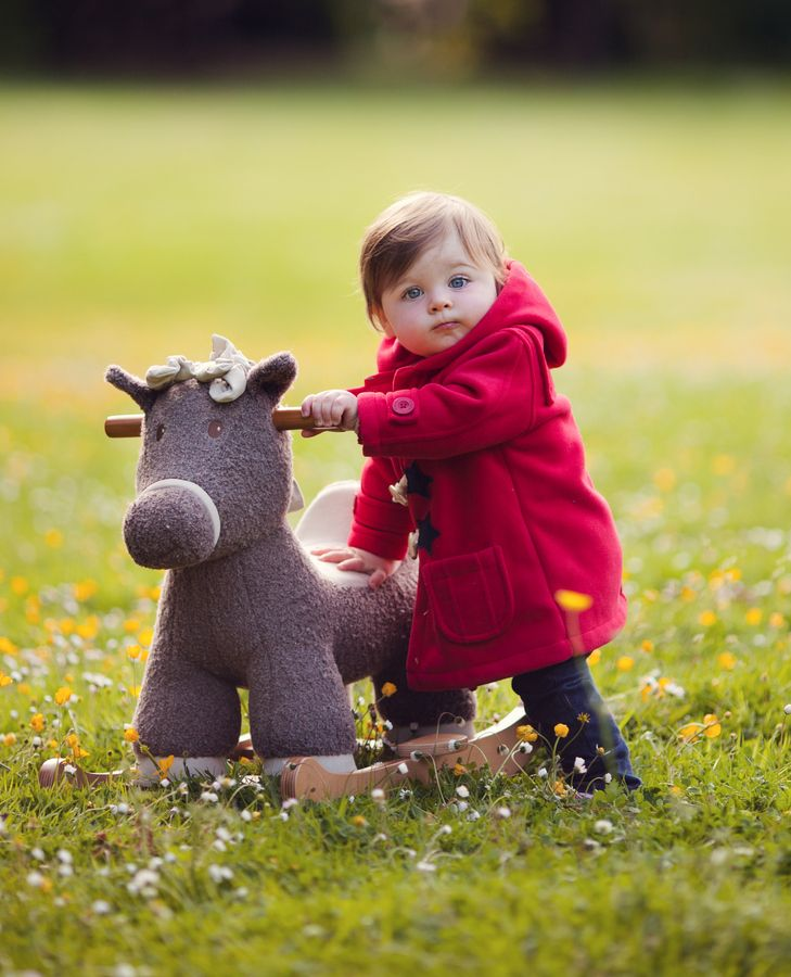 Rocking horse. Con il mio cavallo dondolo ovunque, anche sui prati. Scopri i nostri cavalli a dondolo per bambini a partire dai 12 mesi su http://www.giochiecologici.it/productag/7/cavallo%20a%20dondolo