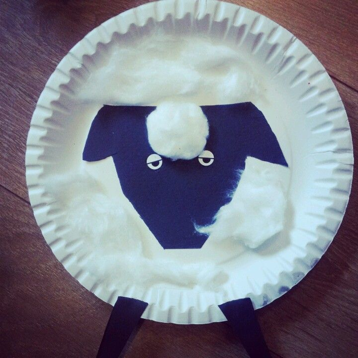 A baa-illiant sheep made from cotton wool and a paper plate #lessonideas #teaching