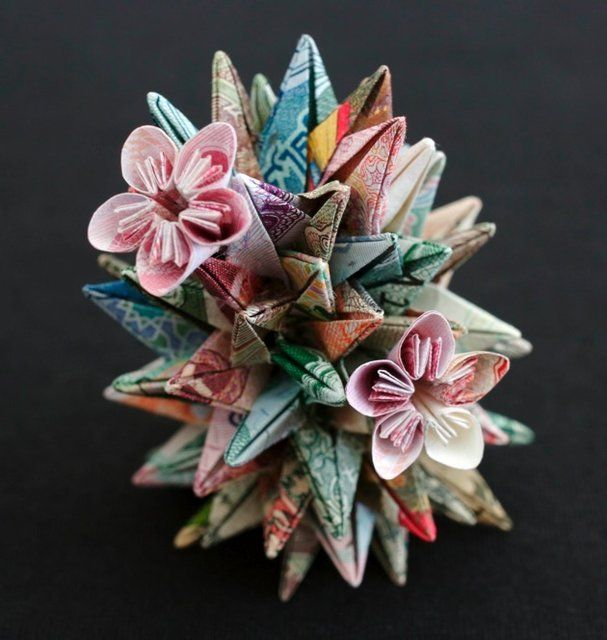 Currency Sculptures by Kristi Malakoff