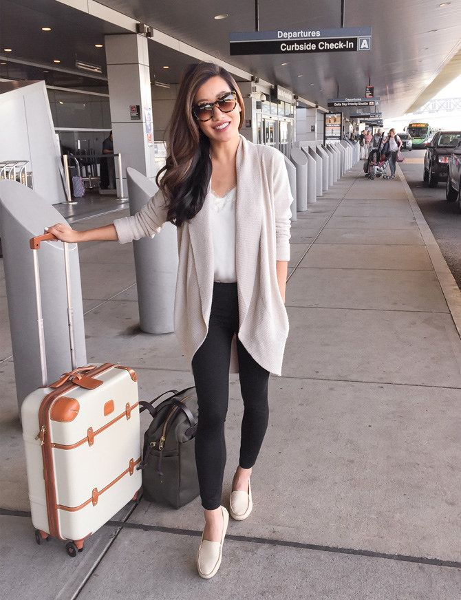 Comfortable + casual airport travel outfit // zella leggings + cozy cardigan + flat loafer shoes