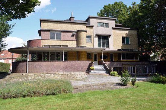 On the market: 1930s Gentiel Eeckhoutte-designed art deco property in Waregem, Belgium on http://www.wowhaus.co.uk