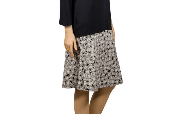Falda de modal estampado en blanco y negreo. #InstintoBCN #ModaMujer