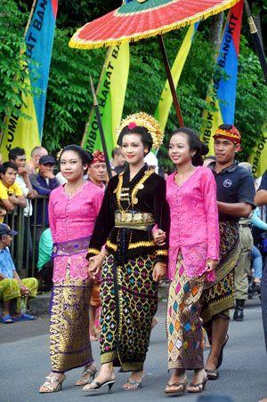 Traditional Sasak Tribe wedding at Lombok Island, that we called it Nyongkolan.