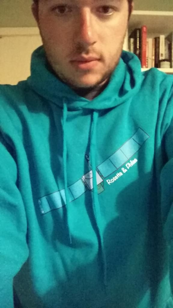 For a @Philae2014 landing I bought the t-shirt and for perihelion I bought the @ESA_Rosetta hoodie. Had to be done!