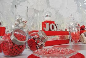 Sweet Little Parties: {real parties} christmas dessert table