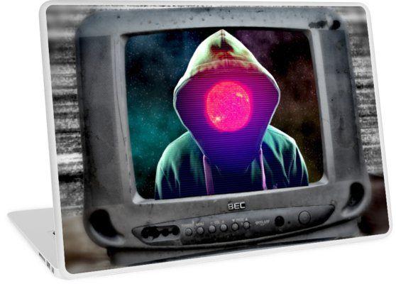Illustration d'un hacker ou d'un fantôme informatique prenant le contrôle d'un vieux poste de télévision. Un hacker est une personne qui, par jeu, goût du défi ou souci de notoriété, cherche à contourner les protections d'un logiciel ou à s'introduire frauduleusement dans un système ou un réseau informatique. • Also buy this artwork on phone cases, apparel, stickers et more.