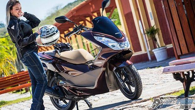 Honda anuncia novas cores e preços da versão 2017 de seu já consolidado scooter PCX