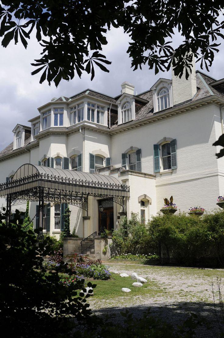Spadina Museum: Historic House & Gardens Exteriors