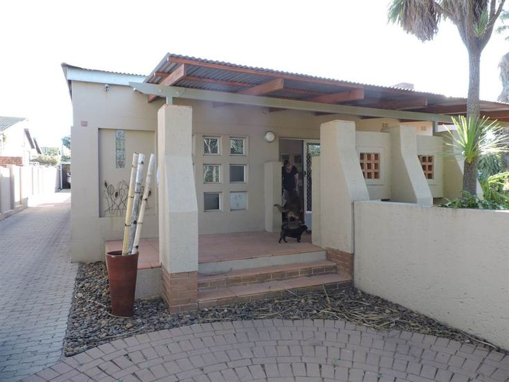 Explore this property 3 Bedroom House in Monument