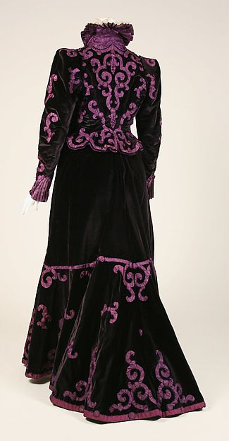 Evening suit Design House: House of Paquin (French, 1891–1956) Designer: Mme. Jeanne Paquin (French, 1869–1936) Date: late 1890s