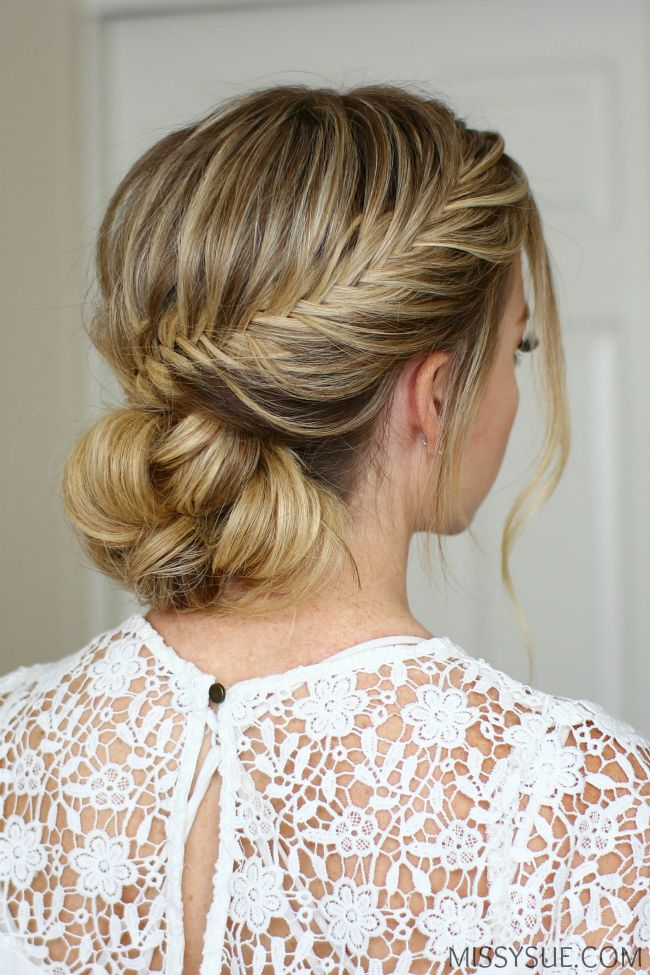 Is it Christmas yet?! All I can think about is pretty updos that would be so fun for a fancy party. This style is so versatile though and works for so many different occasions. You can easily switch out the bun for your very favorite…