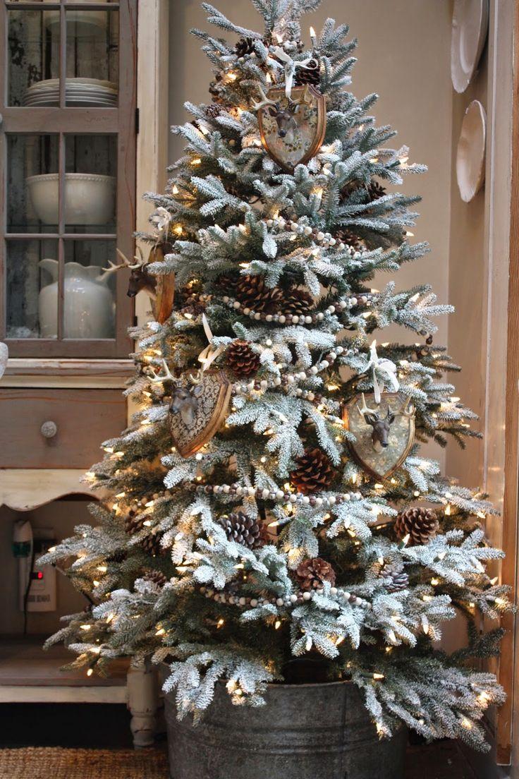 Christmas tree decorated with tinsel - Find This Pin And More On Holiday Christmas Trees