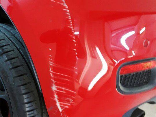 Smart Repair - Kostengünstig und effektiv. Smart Repair spart Zeit und Geld! Sparen Sie mit Smart Repair bis zu 75% gegenüber anderen Instandsetzungsmethoden!  Mit Smart Repair können viele Beschädigungen am und im Auto kostengünstig, schnell und umweltschonend beseitigt werden.  Durch eine professionelle Autoaufbereitung und anschließendem Smart Repair steigern Sie den Wert Ihres Autos.  CarMakeUp - profitieren Sie von unserem Wissen und unserer Erfahrung.