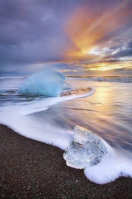 Восход солнца на пляже, Исландия  #красота #пейзаж #природа #photography #nature…