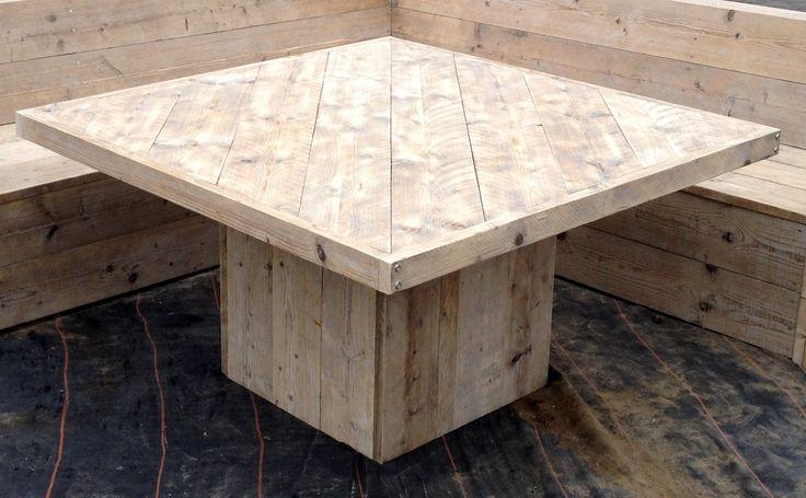 steigerhouten tafel met diagonaal ingelegd blad 1.40/1.40 m 75 cm hoog Gemaakt en foto Leen de Ruiter