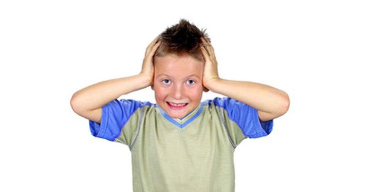 Como deixar um saco de boxe mais silencioso para uso em apartamentos. As bolas de boxe são utilizadas em exercícios cardiovasculares, aumentando a coordenação entre os olhos e as mãos e acelerando as habilidades motoras. Infelizmente, elas são barulhentas e podem ser um pouco irritantes para os coabitantes ou vizinhos, caso se trate de um apartamento ou casas com paredes compartilhadas. Embora não haja uma maneira ...