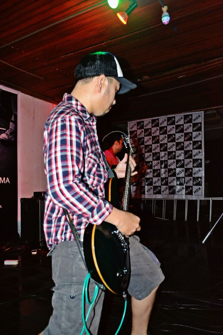 #NothingToShow #musicevent #GorontaloIndie #Band #headshot