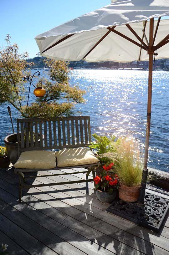 Houseboat deck: Seattle Houseboats, Simply Stunning, Lakes Houses, Lakeside Living, Houseboats Living, Sue Simply, Houses Tours, Lakes Living, Stunning Houseboats